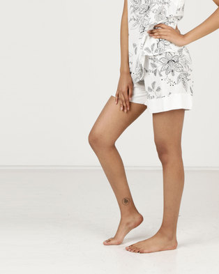634e340bc0 Poppy Divine Printed Rayon Shorts with Print Ivory Black