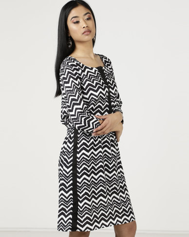 Smashed Lemon Geometric Print Shift Dress Black