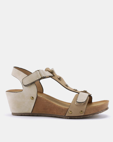 Butterfly Feet Syeda Wedge Sandals Beige