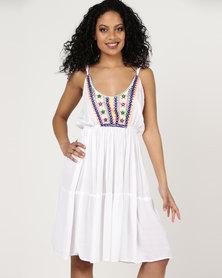 London Hub Fashion Beach Embroidery Dress With Spaghetti Straps White