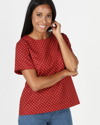 SHWE The Wearable Library Jul T-Shirt Red