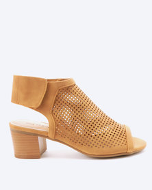 Call It Spring Adalida Block Heels Cognac