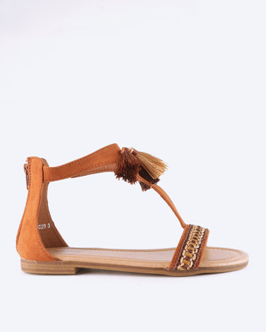 Queue Leather T-Bar Sandals With Tassel Tan