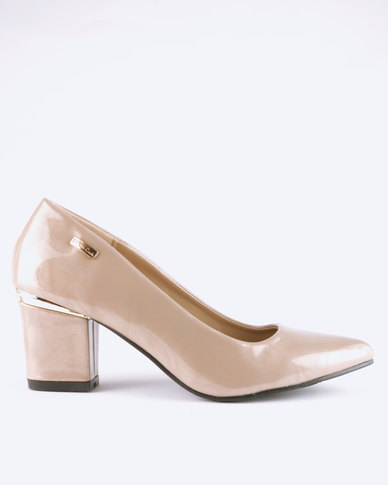 1697c37cd75 Pierre Cardin Block Heel Almond Toe Courts Natural