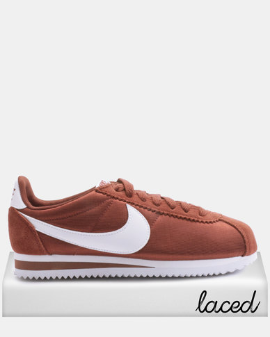 278c33e349be Nike Women s Classic Cortez Nylon Sneakers Red White