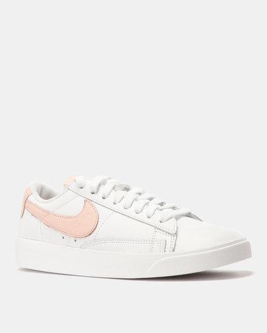 Nike W Blazer Low LE White Storm Pink-White  4c46c2050