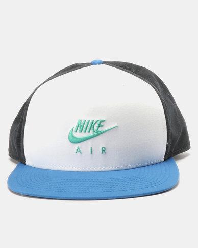 Nike Air U NSW Pro Cap  b4211ddc9384