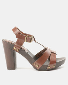 Franco Ceccato T Sandals On Wooden Unit Tan