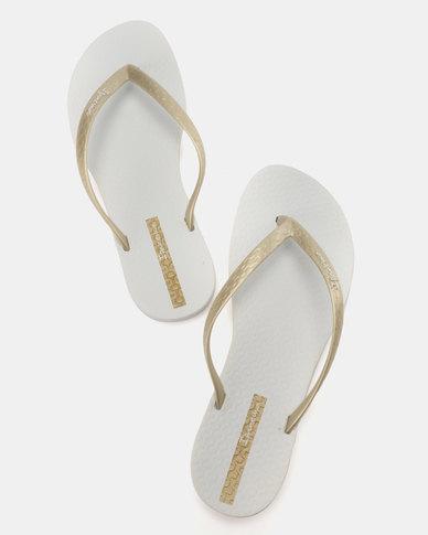 712b8826b84c Ipanema Wave Flip Flops White Gold
