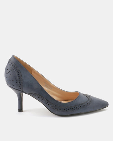 Queue Brogue Court With Medium Heels Navy