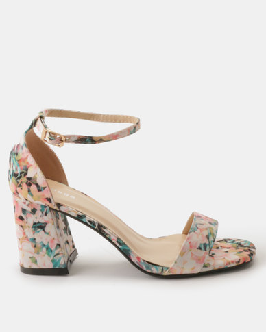 Queue Closed Back Sandal With Flared Heels Pink Floral
