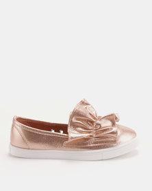 Soviet Tobey Ladies Metallic Slip-on With Ruffle Detail Pink