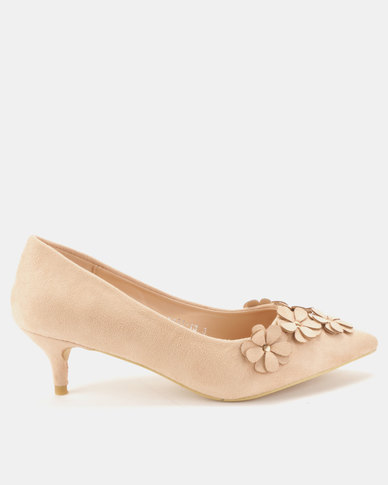 Utopia Flower Trim Kitten Courts Beige