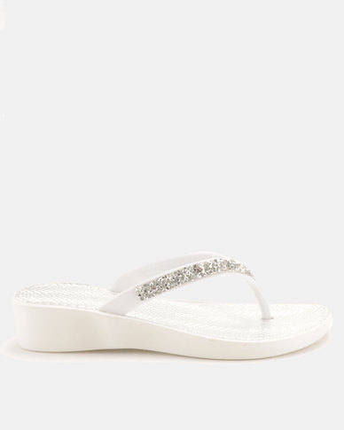 Queenspark Glitter Thong Low Wedges White