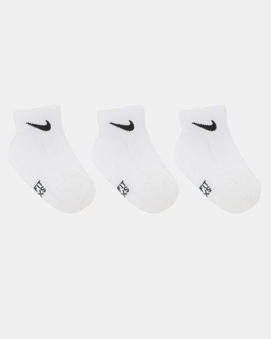 Nike Performance Dri-Fit Basic Quarter Socks White