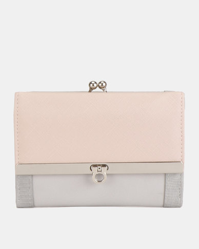 New Look Mel P Sleek Lock Update Purse Shell Pink