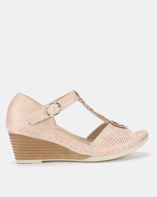 01fac0ea830897 Butterfly Feet Chrissie Wedges Beige