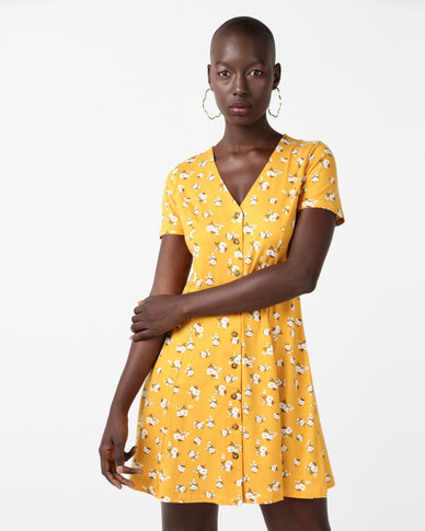 New Look Floral Soft Touch Button Through Dress Yellow