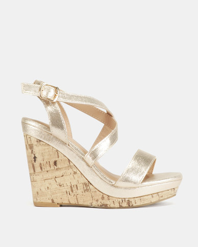 9153bdd2f183 New Look Ooler R 3 Strappy Cork Wedges Gold Metallic