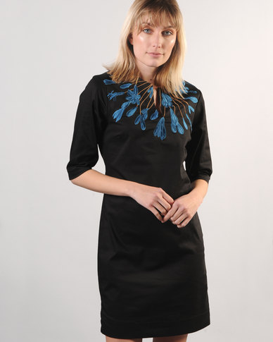 Marique Yssel CS Notched Shift Dress Agatha Blue On Black