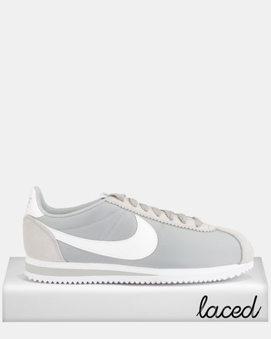 low priced a76d9 31442 Nike Classic Cortez Nylon Wolf Grey/White
