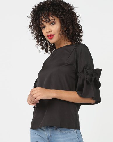 Utopia Top With Bow Trim Black
