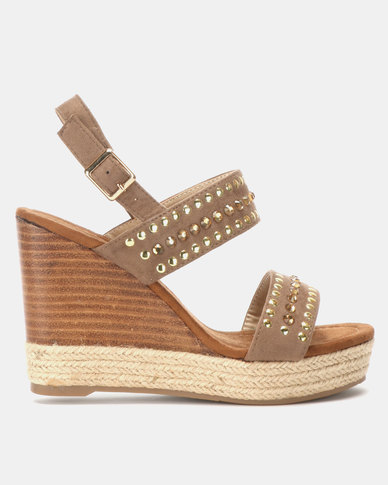 Miss Black Vinolia Wedge Sandals Taupe