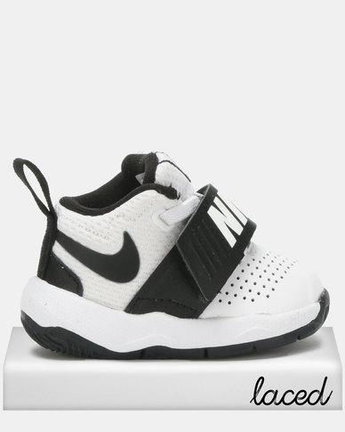 huge discount e112b 9d32d Nike Team Hustle D 8 Sneakers WhiteBlack  Zando