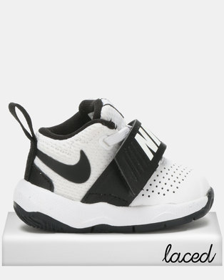 competitive price 8a8db 2f119 Nike Team Hustle D 8 Sneakers White Black