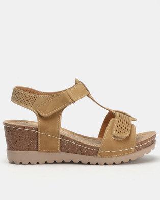 ae73691e4e8146 Butterfly Feet Siya Wedges Camel