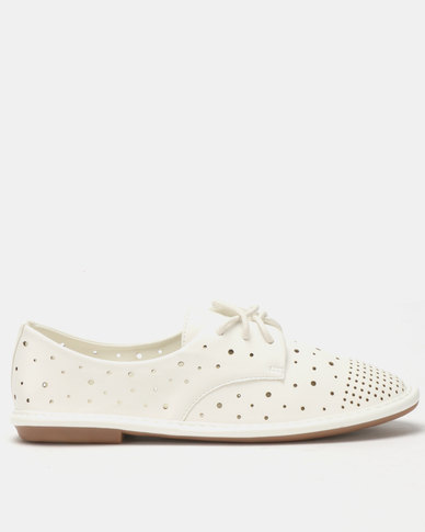 Butterfly Feet Mitch Flats White
