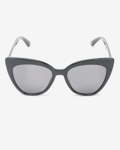 New Look Martel Sunglasses Black