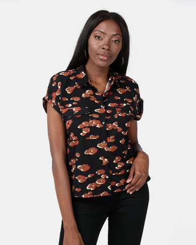 New Look Camo Leopard Print Short Sleeve Shirt Black
