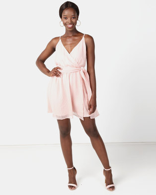 NA-KD Chiffon Short Dress Light Rose . 1c305f2f0