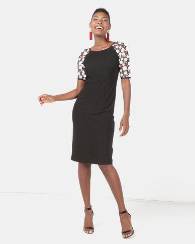 Queenspark Contrast Flower Design Knit Dress Black/White