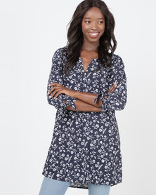 Queenspark Daisy Printed 3/4 Sleeve With Tie Detail Woven Top Navy