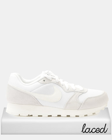 19fdc31f04226 Nike WMNS Nike MD Runner 2 Sneakers White
