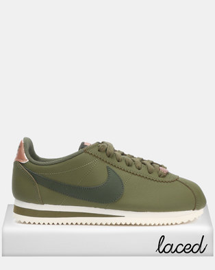 24a36b0902e Nike WMNS Classic Cortez Leather Olive Canvas/Sequoia-Mtlc Sneaker