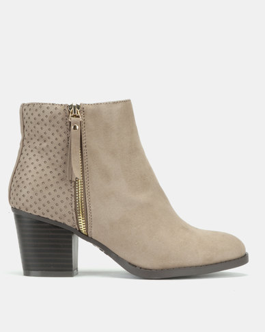 New Look Brassy Wide Fit Suedette Laser Cut Ankle Boots Light Brown