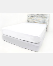 Pierre Cardin Hotel Collection Coral Fleece Mattress Protector White
