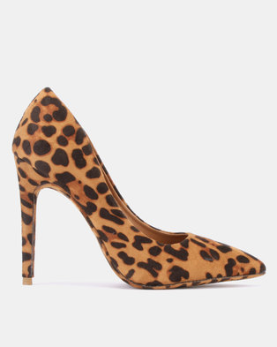 finest selection e7969 cc86d Dolce Vita Instinct Court Heels Tan Print