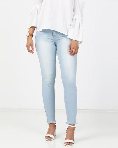 Legit Fray Hem Skinny Jeans Bleach
