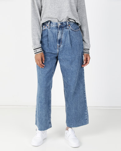 Levi's® Ribcage Pleated Cropped Jeans Blue