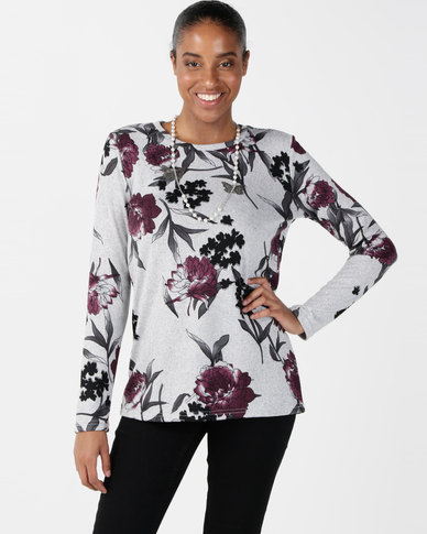 Queenspark Round Neck Fashion Knit Top With Necklace Pink