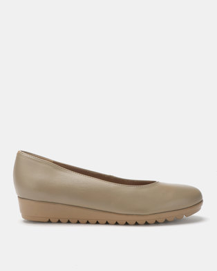 Froggie Candy Slip On Flats Stone Neutrals