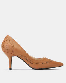 Queue Brogue Court with Medium Heel Tan