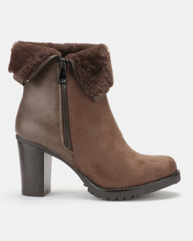 PLUM Lyla 3 Ankle Boot Taupe