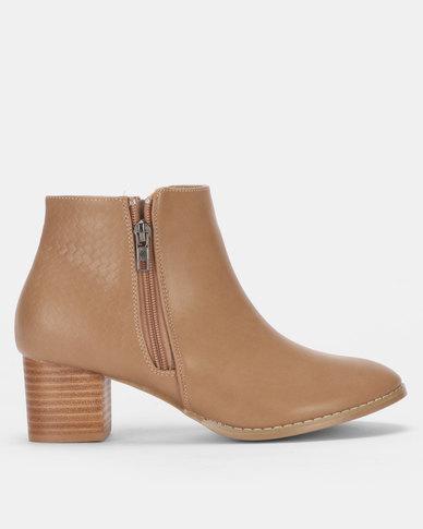 SOA Ellen Boots Taupe