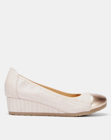 Butterfly Feet Alecia Wedge Salmon