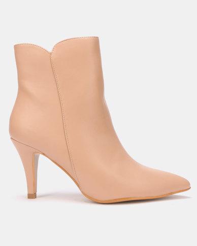 LaMara Pointy Heel Boots Nude